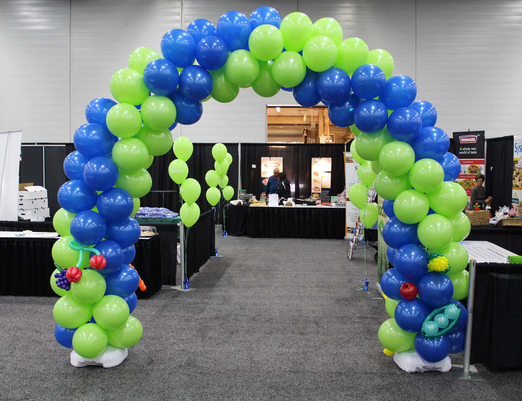 Balloon decor balloon twister edmonton calgary for Arch balloons decoration